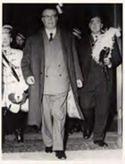 Festa delle matricole: Bologna: 1967: Felice Battaglia seguito da goliardi e studenti tedeschi