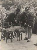 Spettacolo goliardico al Garden: Bologna, 1946: seduta ipnotica del professor Saketof