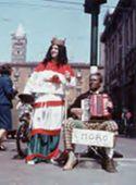 Festa degli studenti su via Rizzoli: Bologna: 1969