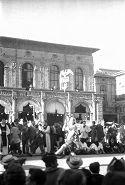 Festa delle matricole: Bologna, giugno 1948: studente con insegna romana