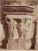 Mantova: basilica di S. Andrea: monumento a Pietro Strozzi (stile michelangiolesco)