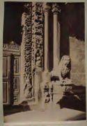 Duomo di Altamura: stipiti e colonne della porta principale
