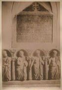 Tomba di Elia nella scala della cripta: basilica s. Nicola a Bari
