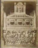 Sepolcro di Luca Savelli di Arnolfo di Cambio: chiesa di S. Maria in Aracoeli