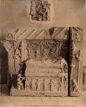 Altorilievo rappresentante l'interno di una tomba: museo Laterano: Roma