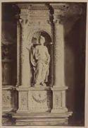 Monumento del cardinale Ascanio Sforza di Andrea Sansovino, particolare della statua della virtù a destra: chiesa di S. Maria del Popolo: Roma