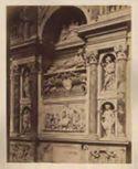 Monumento di Adriano 6. con architettura del Peruzzi, le statue sono di Michelangelo Senese, le sculture minori e il bassorilievo del Tribolo: chiesa di S. Maria dell'Anima: Roma