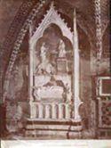 Assisi: Umbria: chiesa inferiore di s. Francesco: monumento a Ecuba Lusignana regina di Cipro e Gerusalemme: (Fuccio Fiorentino ?)