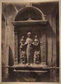 Venezia: edicola: bassorilievo con Madonna della Misericordia, nella lunetta Cristo