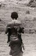 Donna Sidama (vista dietro): Uondo, marzo 1937