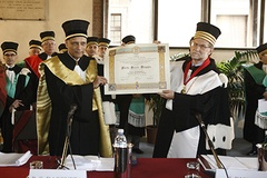 Laurea honoris causa a Partha Sarathi Dasgupta