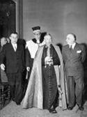 [Il cardinale Giacomo Lercaro, il prefetto Aurelio Gaipa, il direttore amministrativo Sebastiano Mazzaracchio ed il rettore Felice Battaglia: rettorato, palazzo universitario di Bologna: inaugurazione dell'anno accademico 1955-56: 9 gennaio 1956]