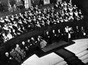 [Discorso di apertura del rettore Felice Battaglia della celebrazione del decennale della Resistenza e conferimento della laurea ad honorem agli studenti caduti in guerra: aula magna dell'università di Bologna: pomeriggio del 15 ottobre 1955]
